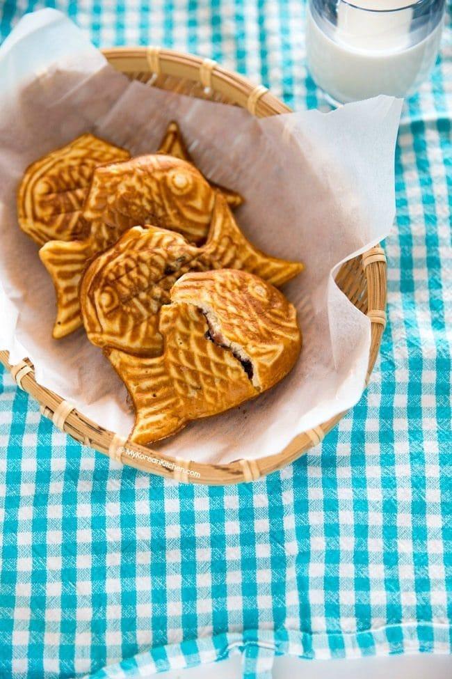 Bungeoppang (Korean fish shaped pastry)   MyKoreanKitchen.com