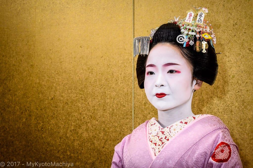 161201_Kyoto-Maiko-Theater-502341