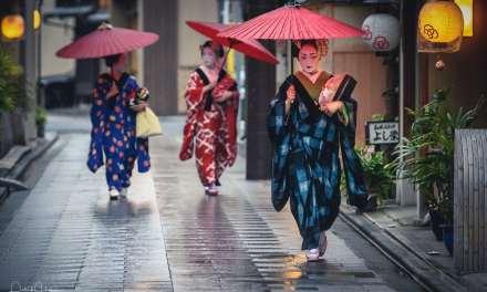Rain over the Hanamachi