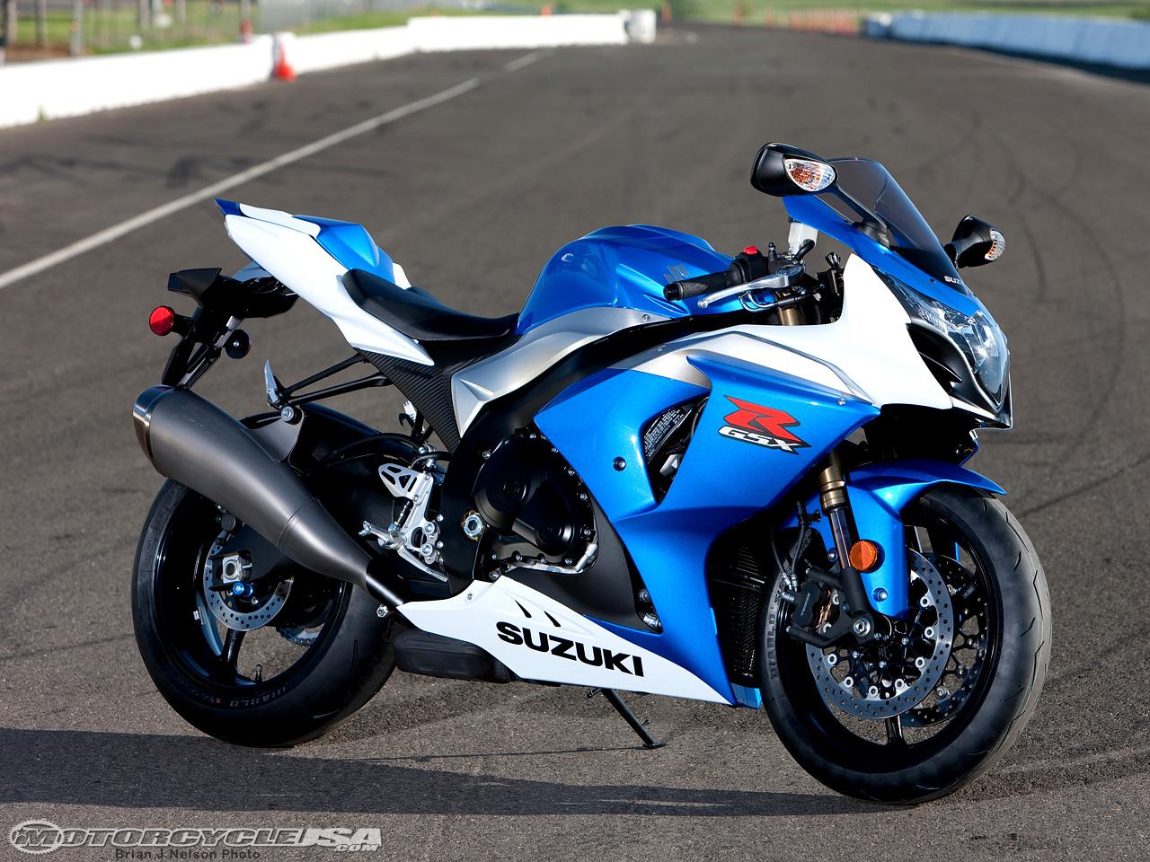 Gambar Motor Sport Suzuki 01  mykyunew