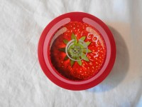Strawberry Body Shop Body Butter journeytothecentreofnewexperiences