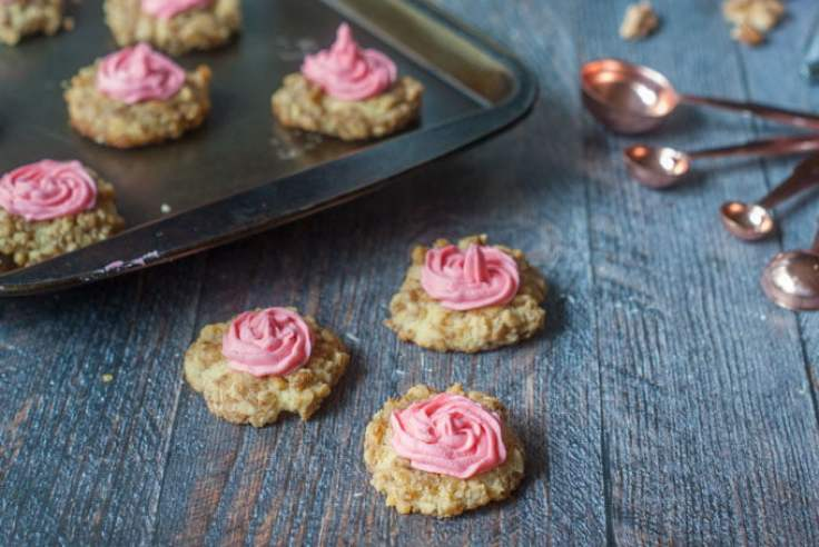 These low carb thumbprint cookies are the perfect sweet treat for the holiday season. No one will know that they are sugar free and gluten free and best of all they are only 0.9g net carbs per cookie!