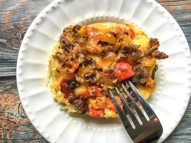 This spaghetti squash low carb breakfast casserole is your new best friend. Full of tasty toppings with a cheesy, spaghetti squash base makes for a delicious low carb breakfast. Each serving is only 3.9g net carbs!