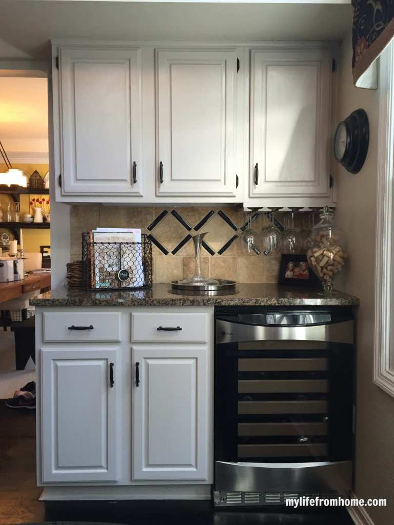 Diy how i painted my kitchen cabinets my life from home for Lifestyle kitchen units