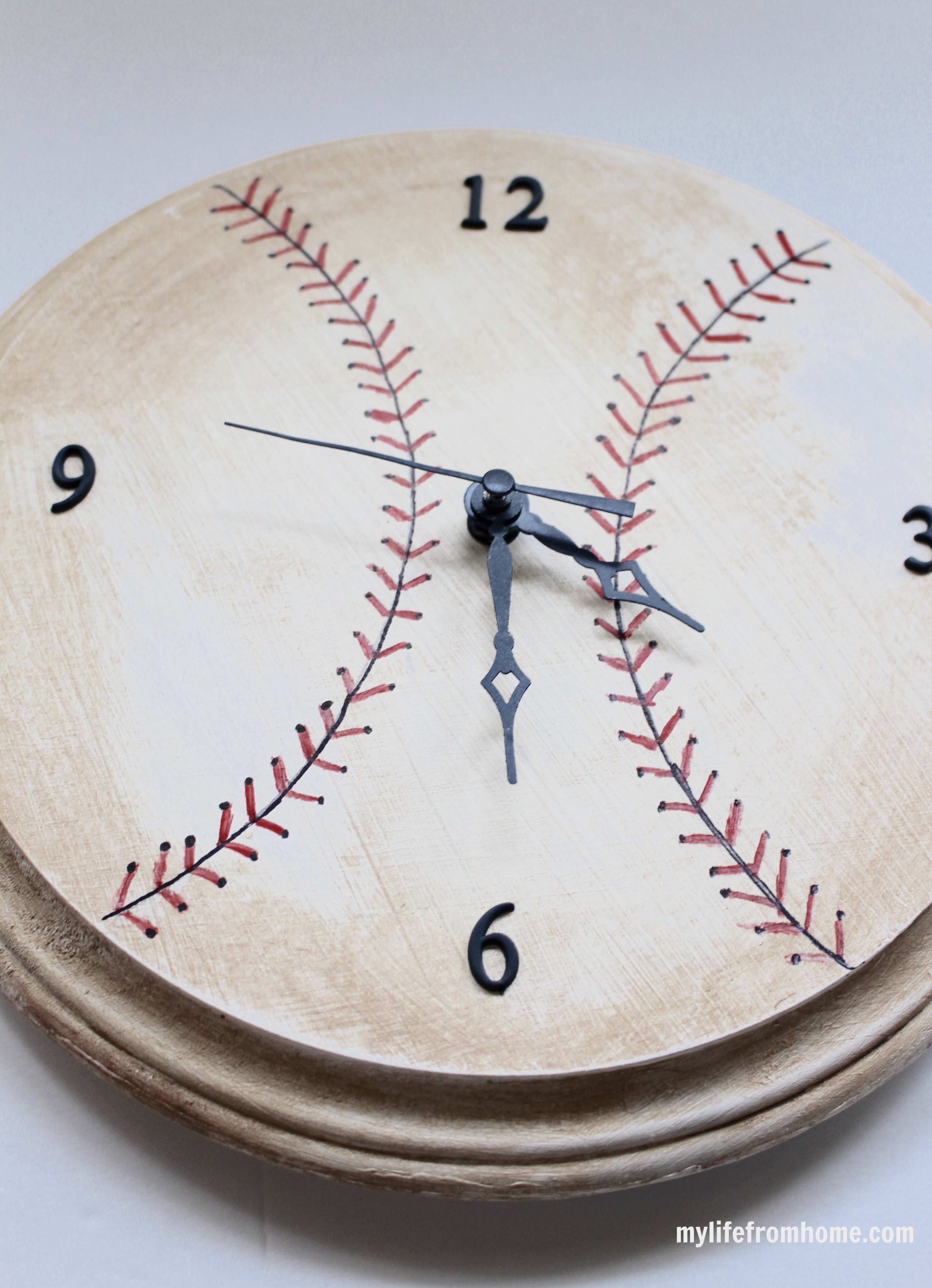 DIY Baseball Clock by www.whitecottagehomeandliving.com