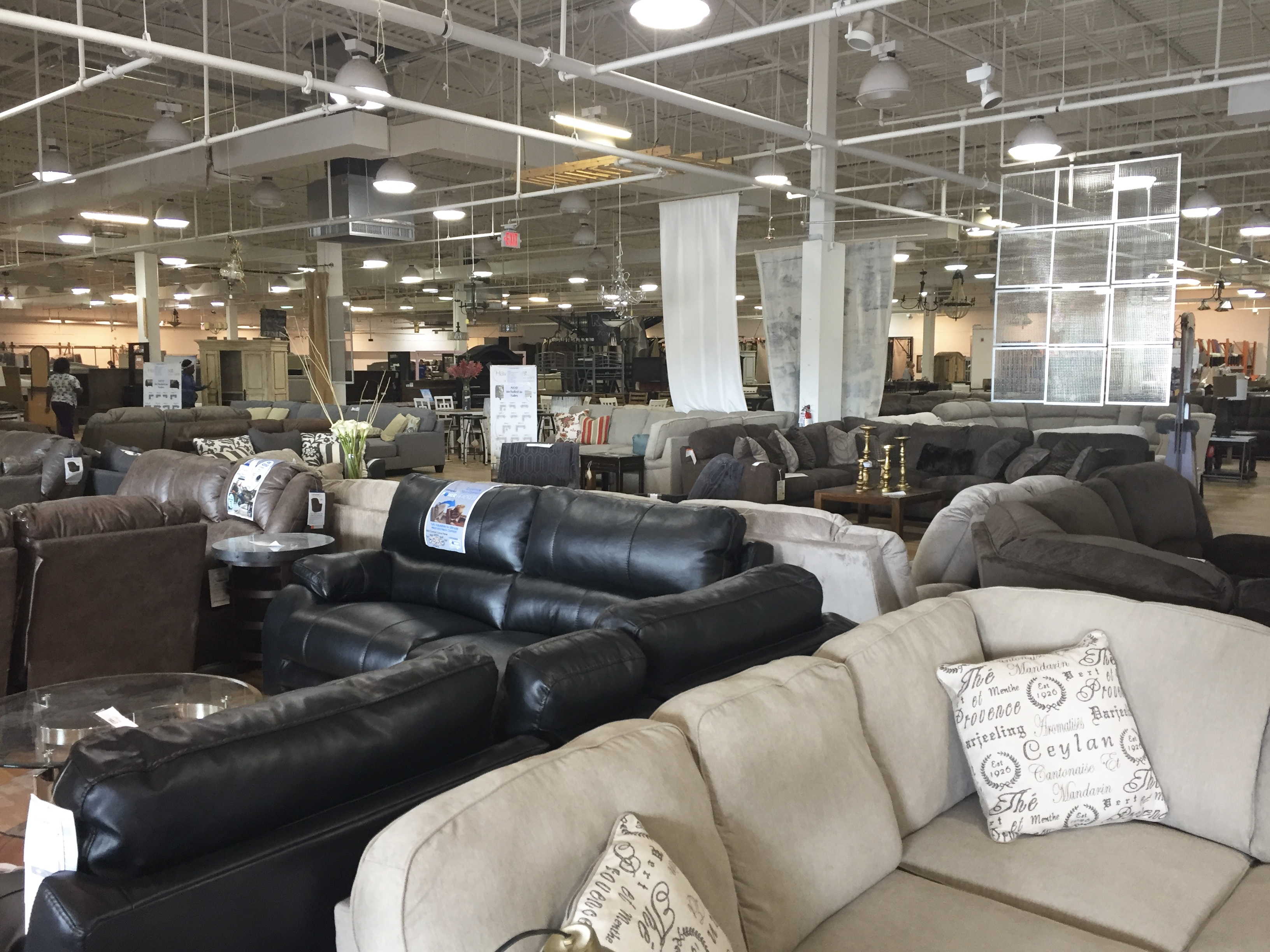 Bargains and Buyouts Cincinnati, OH- furniture store- bargain shopping- liquidation sales- home- decor- decorating