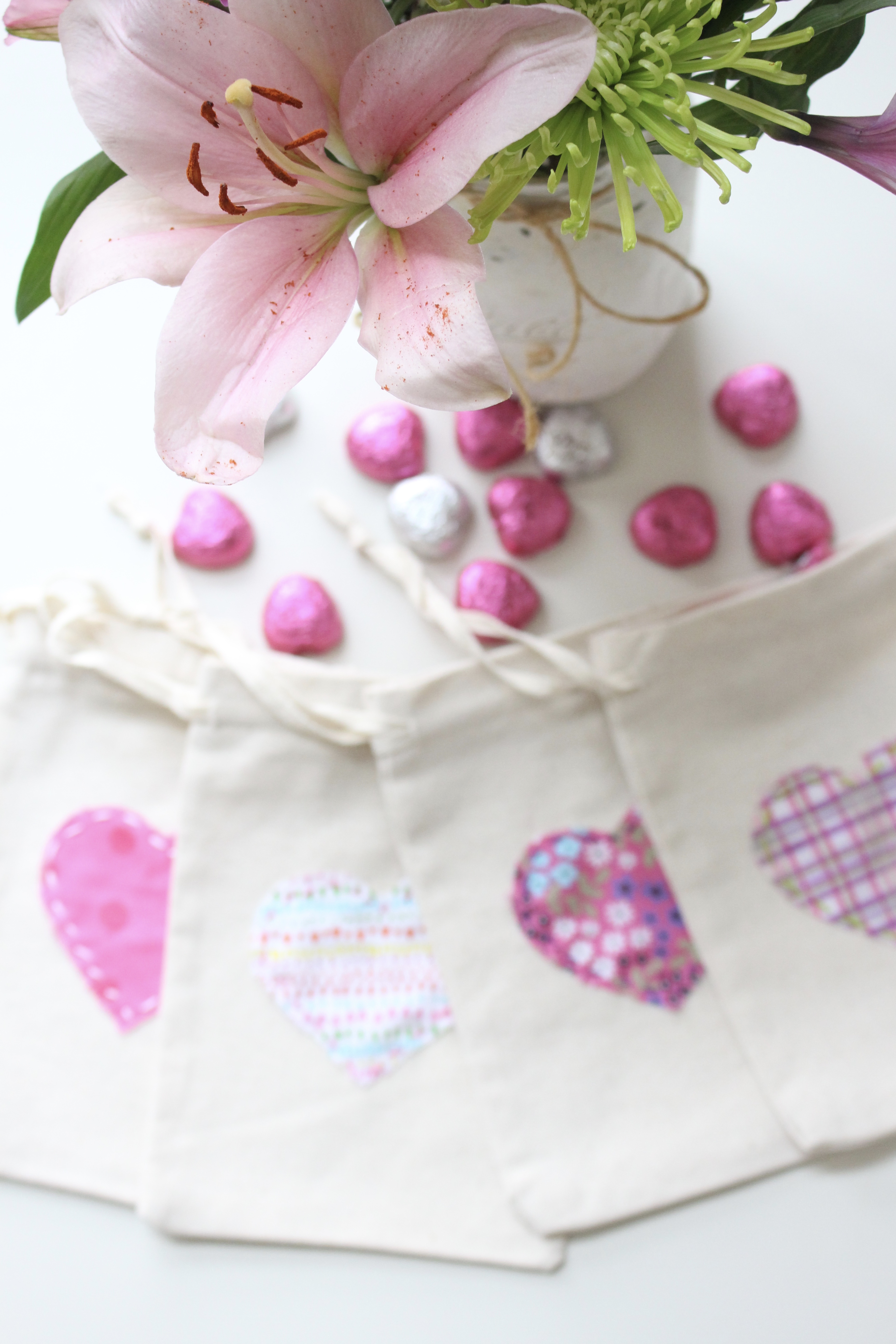 Valentine's Day Treat Bags- fabric hearts- holidays- goodie bags- treat bags- craft projects with fabric- easy sewing
