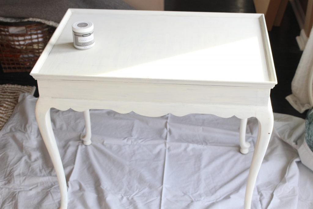 DIY- How to chalk paint furniture- vintage- painted- furniture- how to chalk paint- master bedroom- room redesign- home design- bedroom design- gray- home decor- room renovation