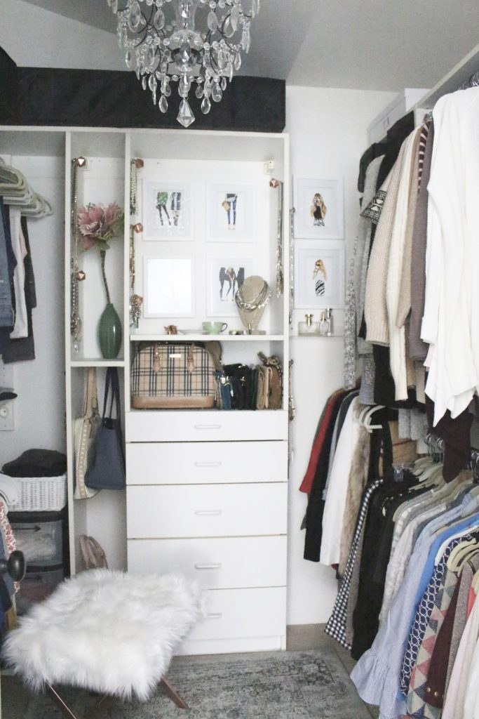 A full boutique closet reveal- master closet- closets- organizing closets- do it yourself- DIY- DIY projects- decoration ideas- room decor ideas- room design- home decor- closet decor- boutique- closet organization- shelf organization- walk in closet- jewelry storage- displaying jewelry in a closet- stylish closet