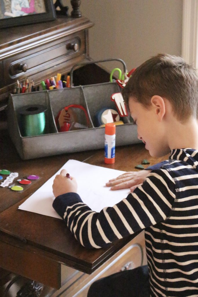 Christmas Craft Station - kids crafts- creating a craft station- Christmas crafts- holiday ideas for kids- Shipt- Meijer- online grocery shopping- crafts- DIY