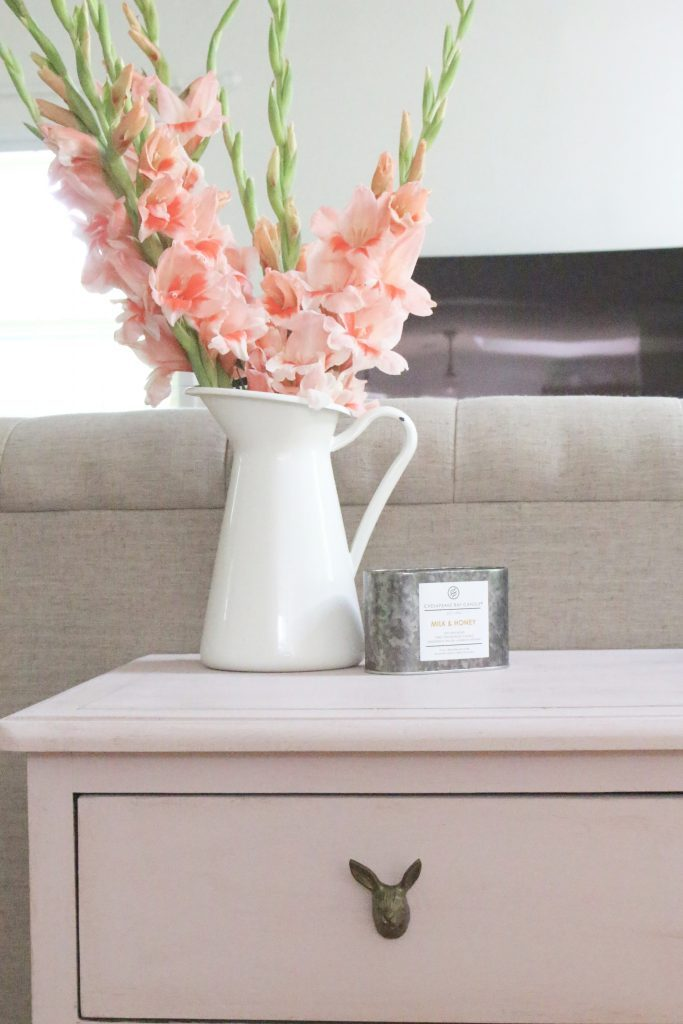 Pink paint- dresser- thrift store furniture- Annie Sloan- chalk paint- shabby chic- painted furniture- antique brass pulls- knobs- living spaces- home design ideas- decor ideas- painted ceiling- farmhouse style- flowers- bunny knobs