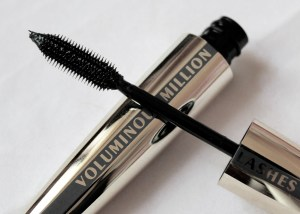 loreal-voluminous-million-lashes-carbon-black