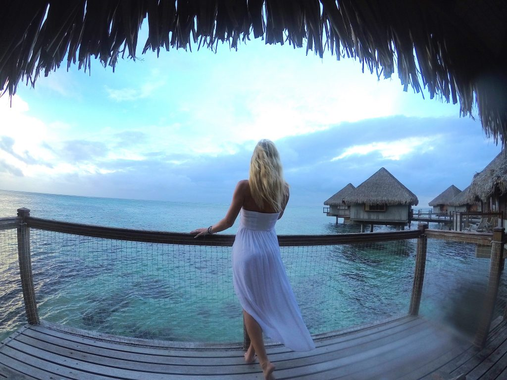 Le Meridien Tahiti sobre a água bangalô mylifesamovie.com