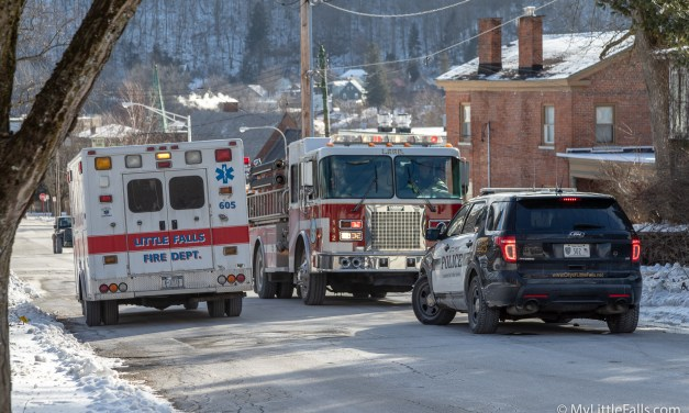 Small fire causes response from fire and police units