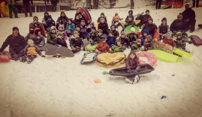 Youth wrestling team hits the slopes