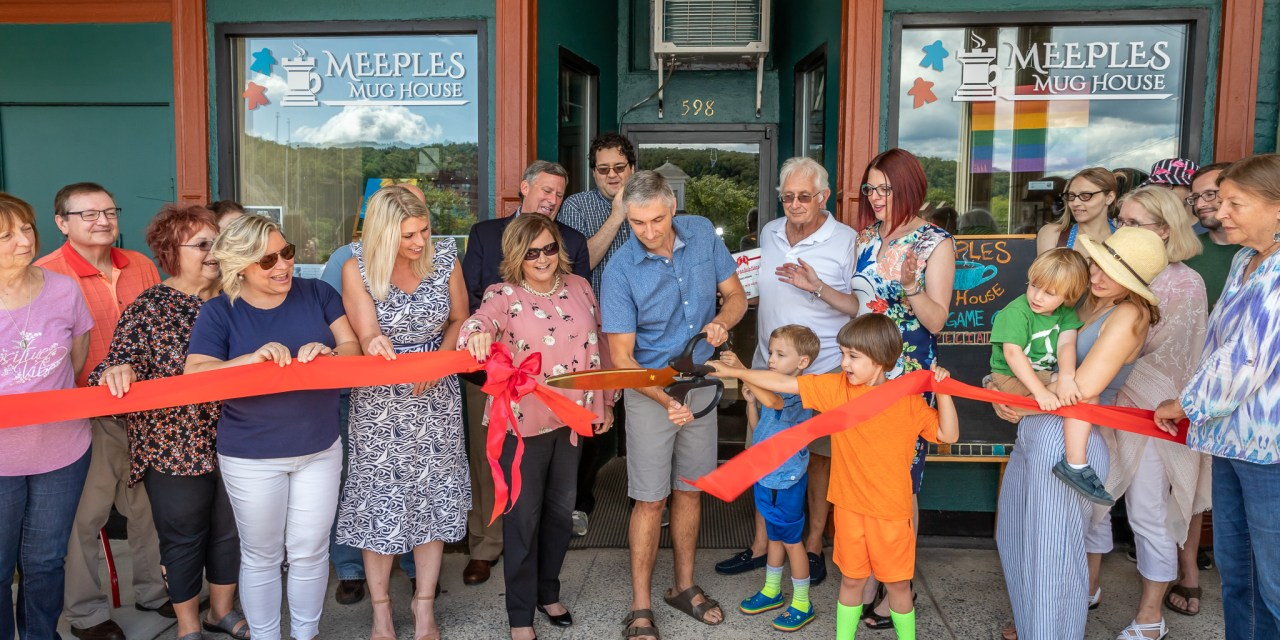 Meeples Mughouse has ribbon-cutting ceremony
