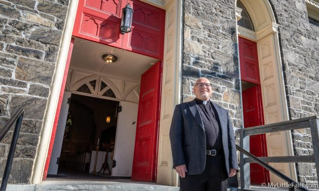 After extensive search, Emmanuel Episcopal finds its new priest