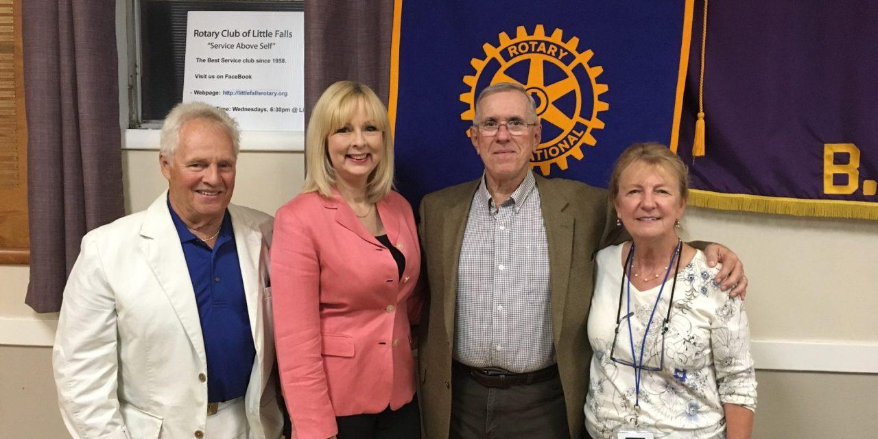 Warner speaks to Rotary