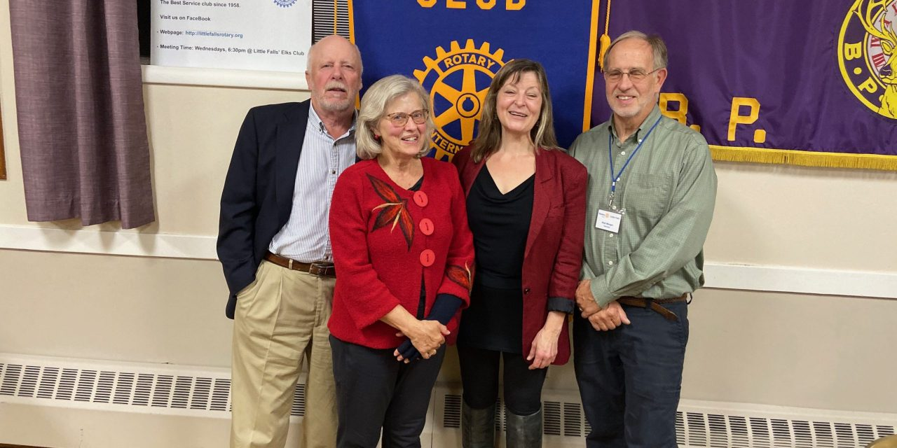 Smith speaks to Rotary about music