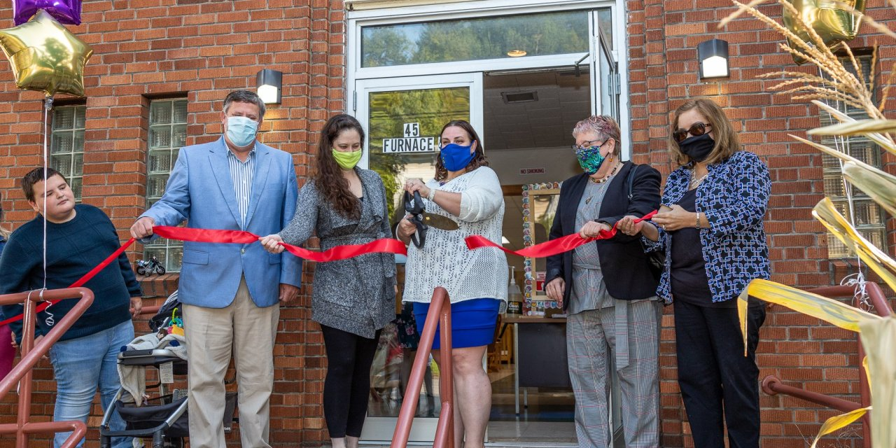 New childcare center cuts the ribbon