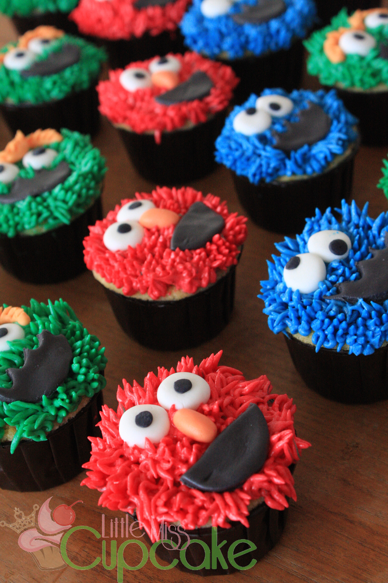 Elmo Little Miss Cupcake
