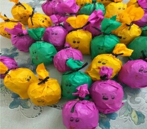 Crazy talking apples | Cool idea for sending fruits to your child's school for his/her birthday
