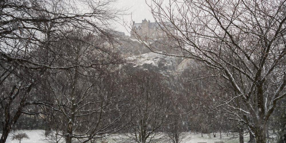 edinburgh, winter, snow, snowfall, edinburgh winter, cold winter, city snow, edinburgh castle, winter happy list, gratitude journal