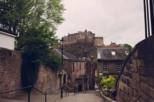 Edinburgh Castle, Instagrammable view from the Vennel near Marys Milk Bar, Scottish Parent Blogger Photographer