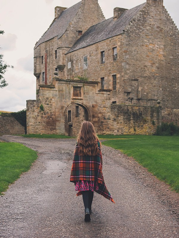 Midhope Castle | The Ultimate Outlander Guide to Lallybroch