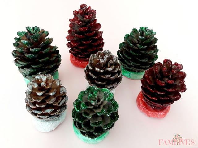Χριστουγεννιάτικα-δεντράκια-από-κουκουνάρια-και-glitter