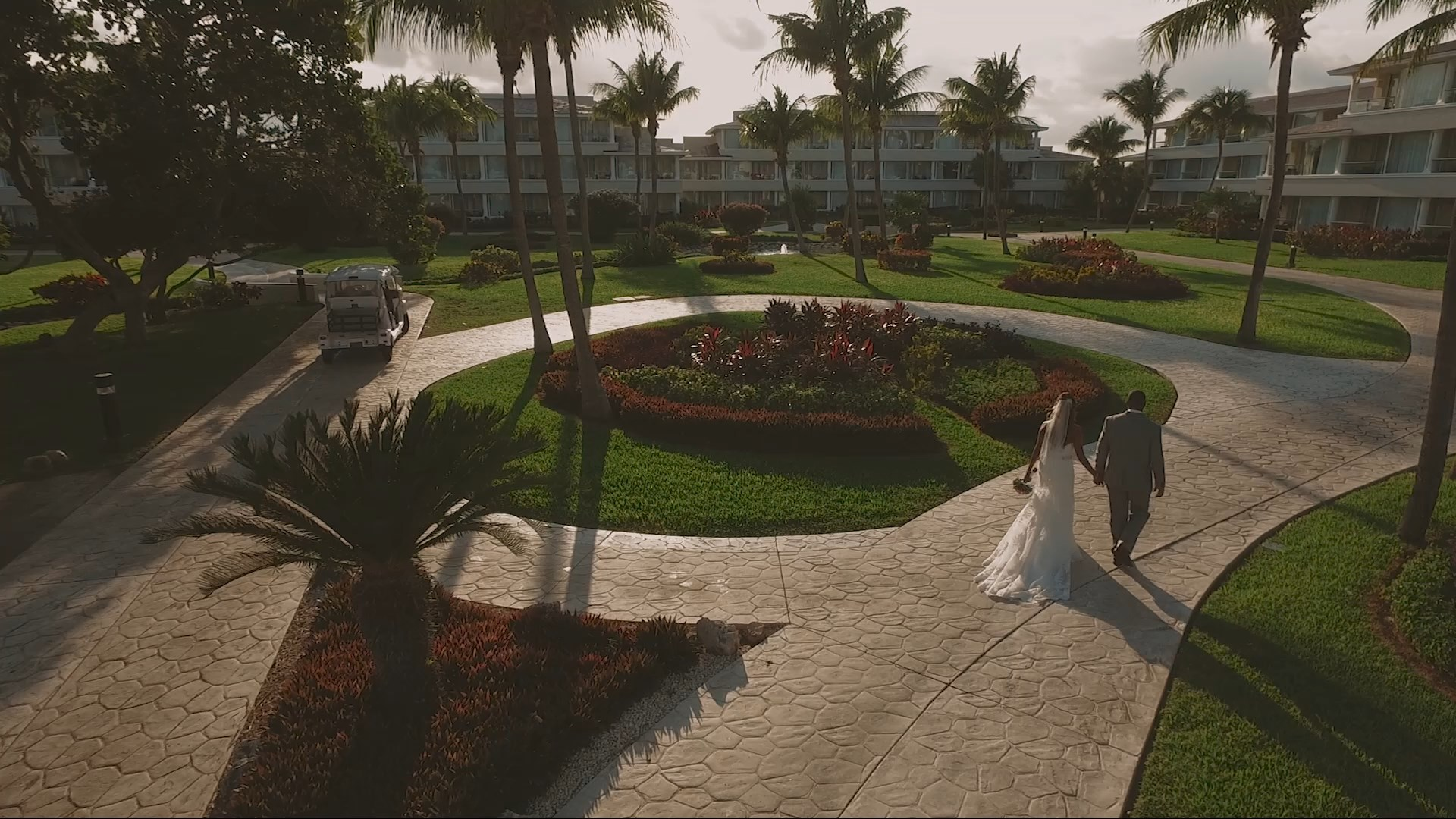 Wedding Cinematic - Fritzie and Emmanuel married at Moon Palace Cancun