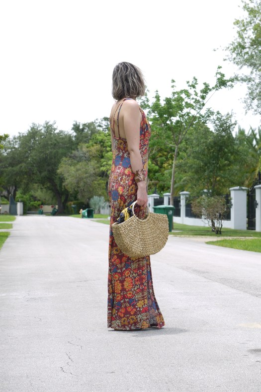 Alba Marina blogger from My lovely people blog is sharing with all of you a love story from her homeland Cuba, wearing a maxi dress from Free People