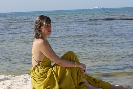Alba Marina Otero fashion blogger from Mylovelypeople blog shares with you another part of her trip to Cancun with this lovely yellow dress