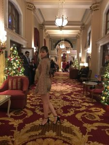 Alba Marina Otero fashion blogger from Mylovelypeople blog shares with you how to style a sequin dress for a special night