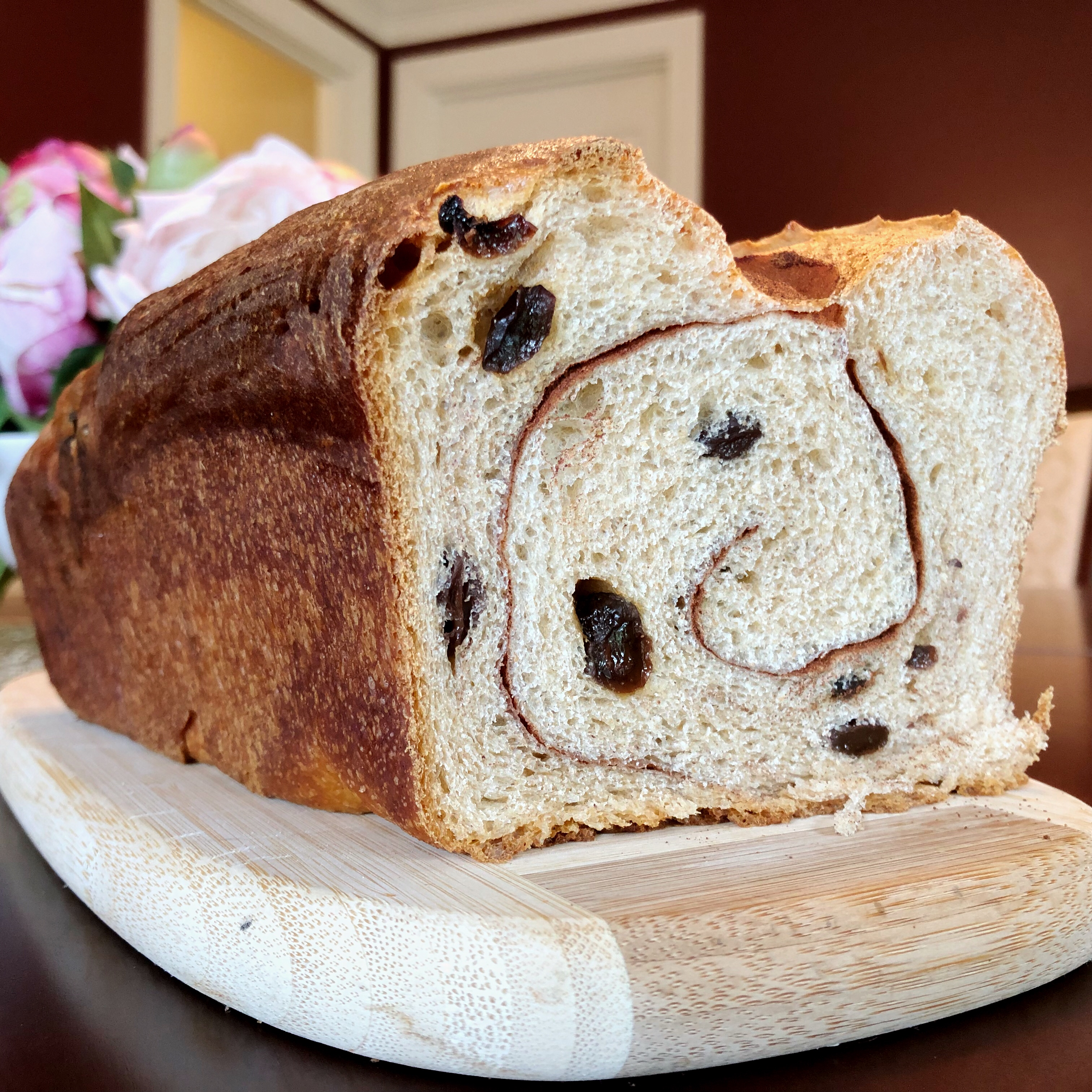 Cinnamon Raisin Swirl Bread via @susanmylovingoven.com