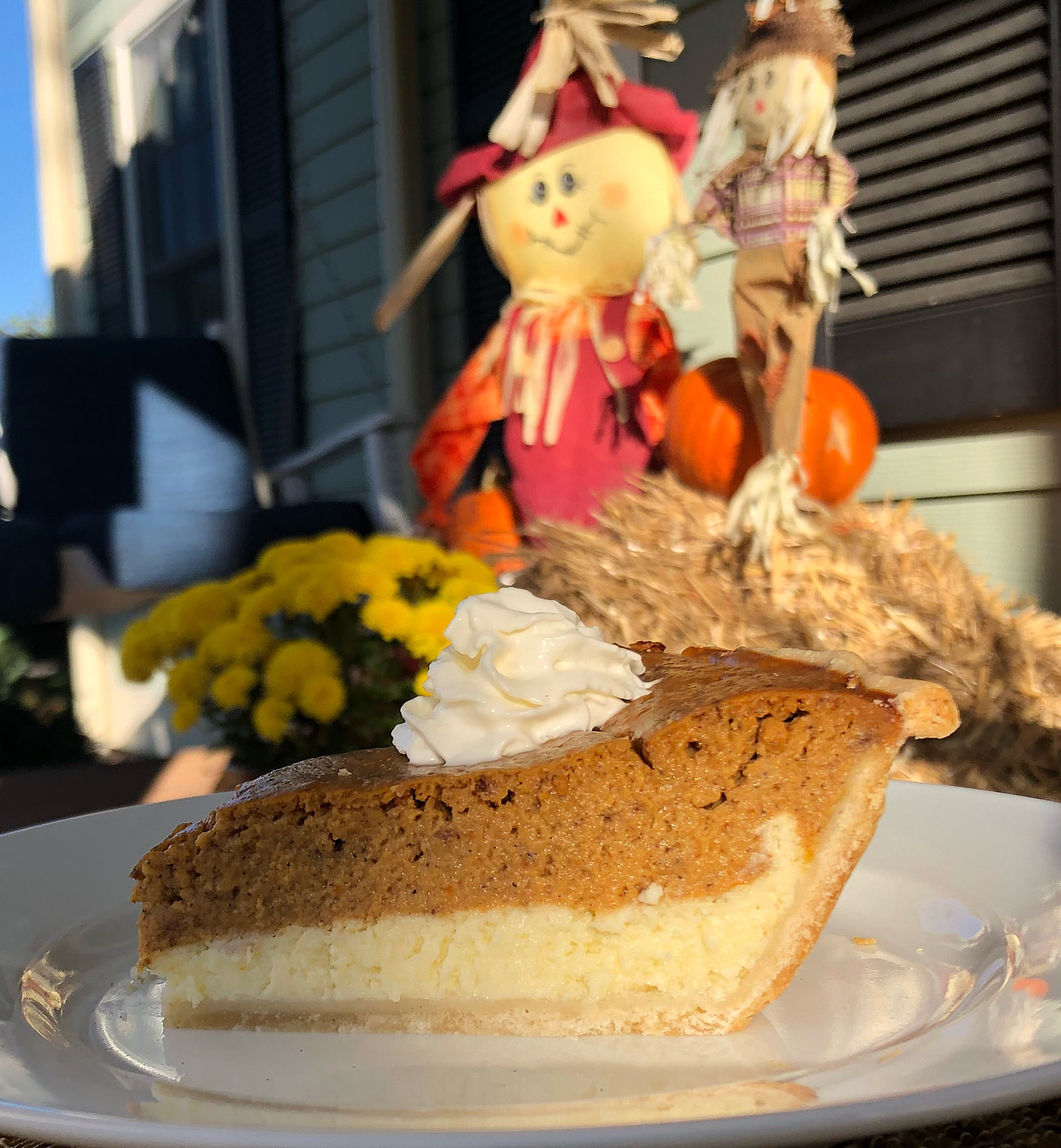 2 Layer Pumpkin-Cheesecake Pie Recipe via @susanmylovingoven.com