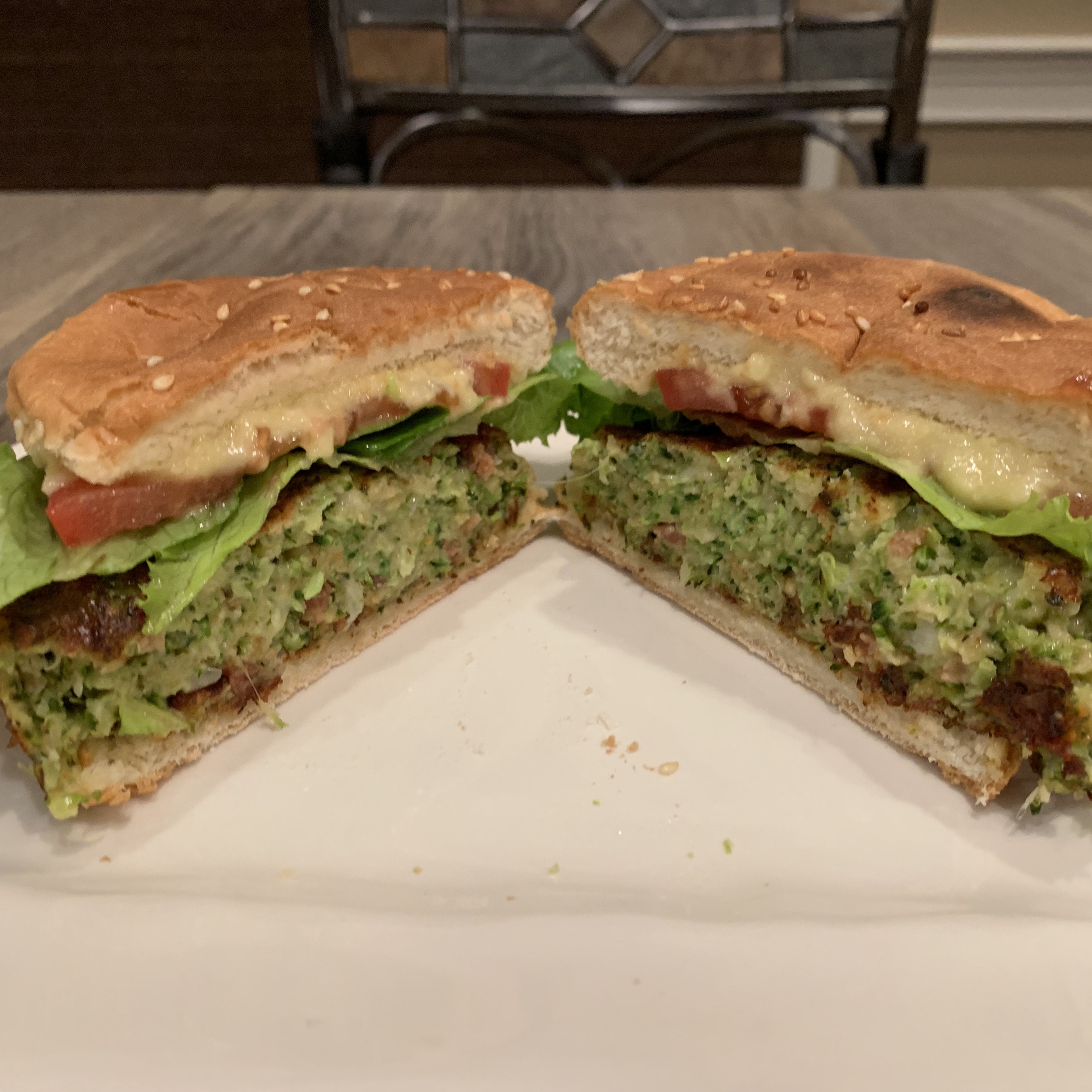 Broccoli Burgers- A New Way to Eat Your Veggies! via @susanmylovingoven.com