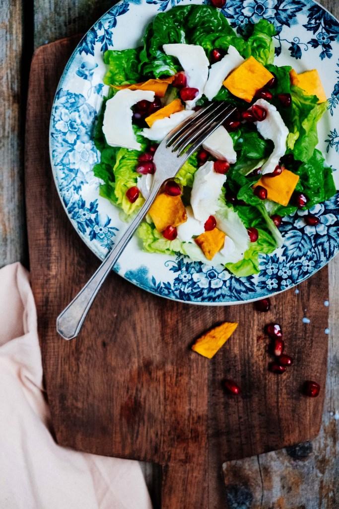 salade met gietenkaas en gedroogde mango