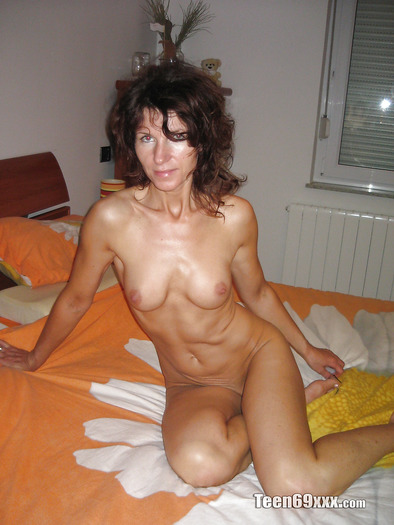 Amateur pics nude mature Free Mature