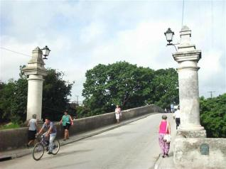 The first stone for the construction of the bridge was laid in 1817.