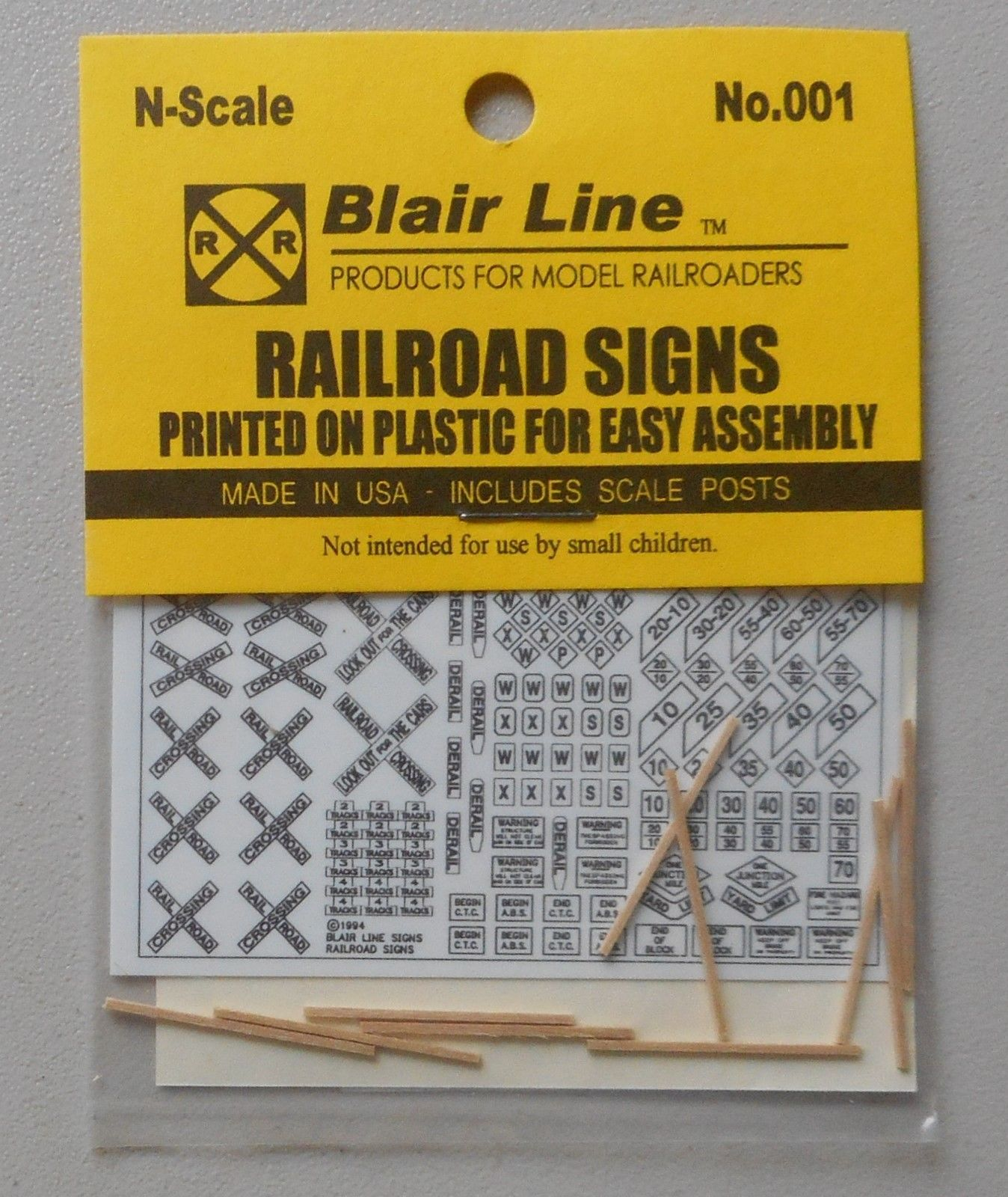 N Rail Road Warning Signs SCALE TRAIN LAYOUT DIORAMA BLAIR LINE 001