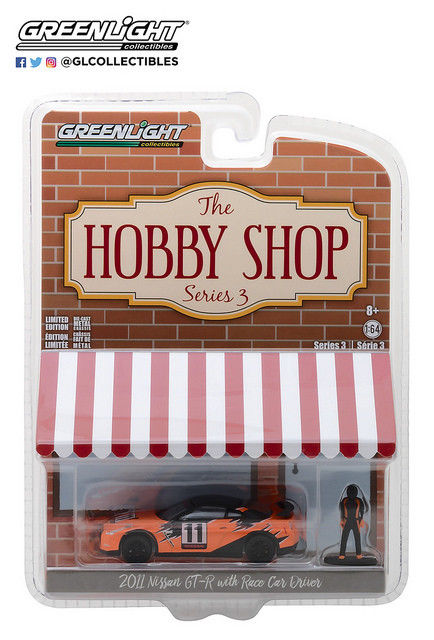 GREENLIGHT 2018 HOBBY SHOP SERIES 3 2011 NISSAN GT-R WITH RACE CAR DRIVER