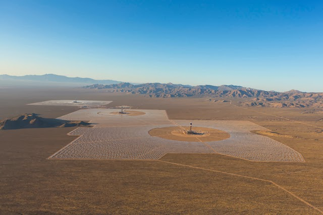 The-World's-Largest-Solar-Plant-Started-Creating-Electricity-Today-3
