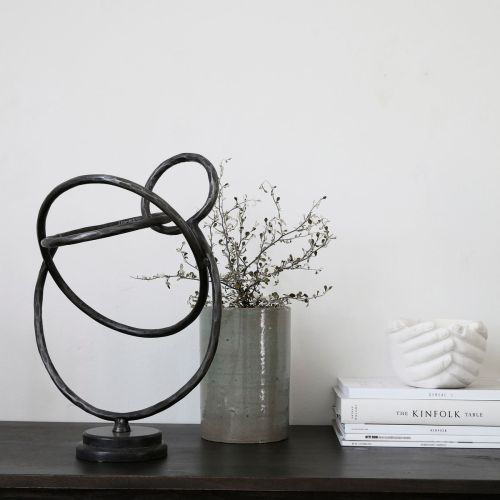 SCULPTURE, CIRCLES, BLACK