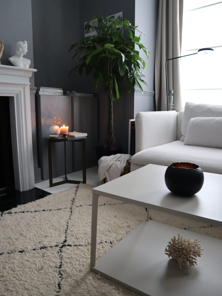 Hive side table from venoor styled in modern grey Living room and evo bowls