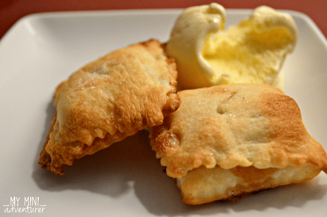 apple-pie-ravioli-with-ice-cream