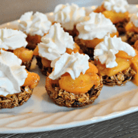 Granola Cups with Fresh Peaches