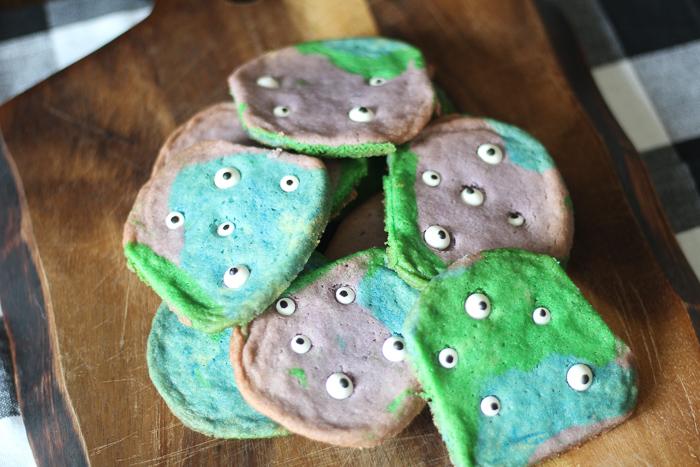 Eyeball Monster Cookies #HalloweenTreatsWeek