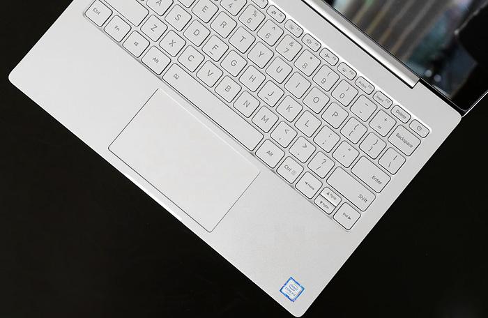 Xiaomi Mi Notebook Air スペック詳細 キーボードの概観