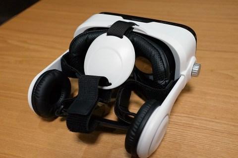 LUPHIE 3D VRゴーグルレビュー 眼鏡無しでも度数変更対応 ヘッドフォン付きで5千円以下!